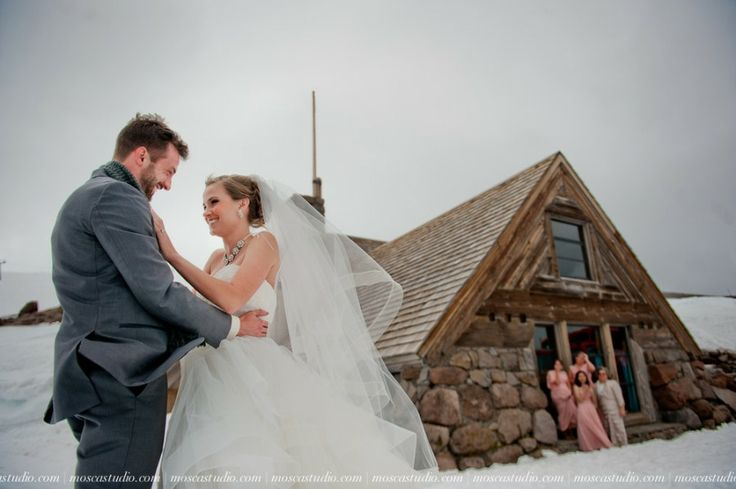 #FirstLook! So sweet! <3 A Mt Hood wedding day at Silcox Hut, above Timberline Lodge, Oregon. Beautiful #bride in a beautiful #weddingdress and a fun party too! #MtHoodWedding #SilcoxHut #WeddingPhotography #MoscaStudio #FotoMatrimonio © http://www.moscastudio.com