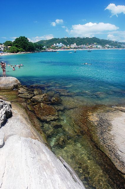 Praia de Bombinhas, Santa Catarina - Brasil. Ja estive exatamente aqui...