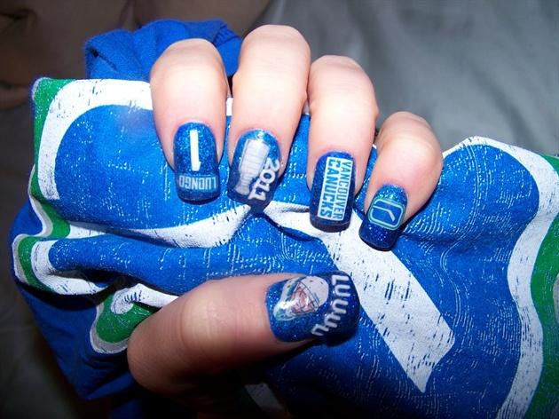 Vancouver Canucks nail art