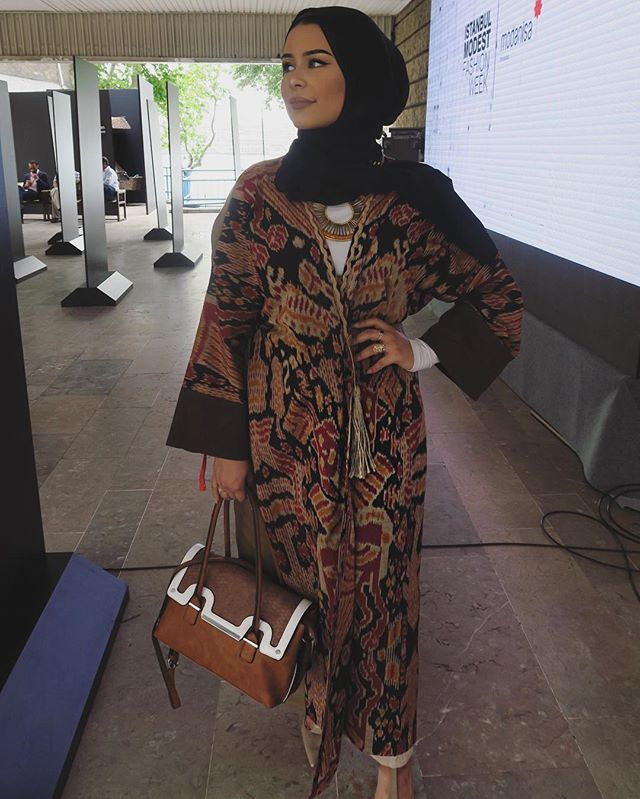 Yesterday. Abaya by @aywalondon Hijab from @voilechic Styled by @imogenleroux