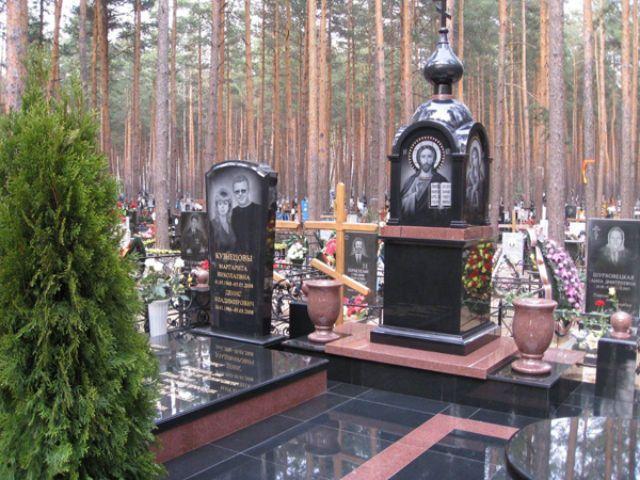 Гранитные мемориальные комплексы в Воронеже