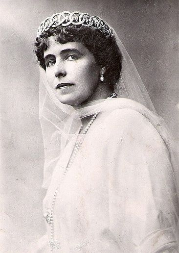 Queen Marie of Romania in diamond loop tiara - now lost