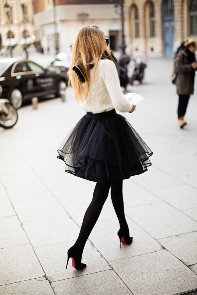 Chic way to style a tulle skirt. The skirt is by Sylwia Majdan, a Polish designer whose pieces are beautifully structured and elegant