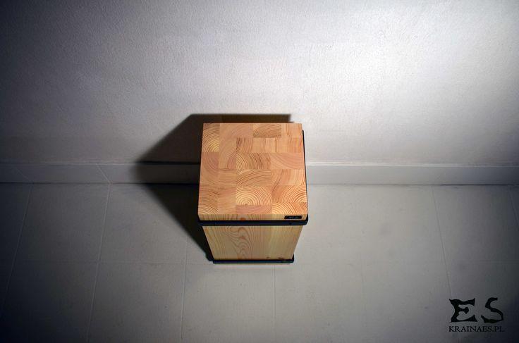 Handcrafted stool, frame is painted in black matt steel, pine stool, minimal style, minimalistyczny sosnowy taboret , lakierowany bezbarwnie, TRAFFICANTE, Kraina ES #stool, #ironstool, #minimalism, #krainaes, #craft, #taboret, #reczniewykonany