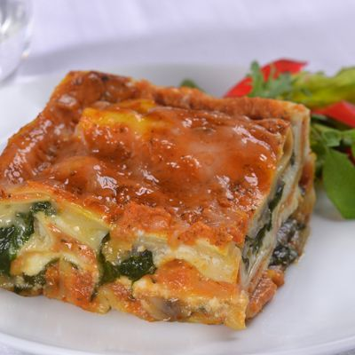 Pumpkin Lasagna with Mushrooms & Spinach Actually sounds good in a strange kind of way... Pumpkin and ricotta? Yum!