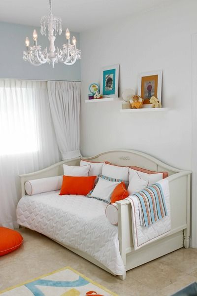 love the idea of a daybed or small sofa in the nursery