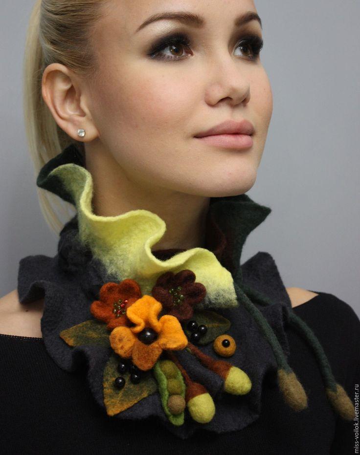 """Купить Шарф """"Осень""""(валяние) - коричневый, осень, ягоды, ягоды и листья, осенняя мода, Осенние цвета"""