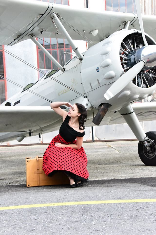 Sherry is looking for the perfect man ;-)  Funny Vintage Shooting with Sherry and Jack Frei