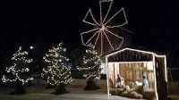ΣυνΔΗΜΟΤΗΣ: Φωταγώγηση χριστουγεννιάτικης φάτνης από τον Πολιτ...