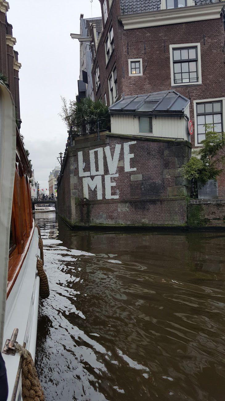 Passeio de barco pelos canais de Amesterdão | Viaje Comigo