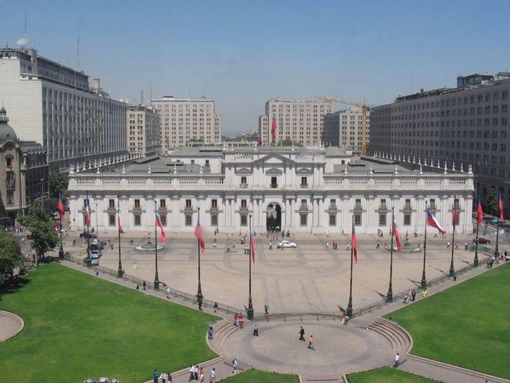 Palacio de la Moneda, construído en el siglo XVIII http://c0056906.cdn2.cloudfiles.rackspacecloud.com/46484-1.jpg