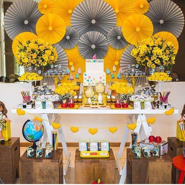 Festa Carrossel. Pic via @mayaraferparty #encontrandoideias #blogencontrandoideias #fabiolateles