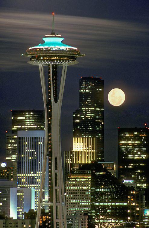 Luna şi Acul Spaţial 48 - Seattle, statul Washington, SUA