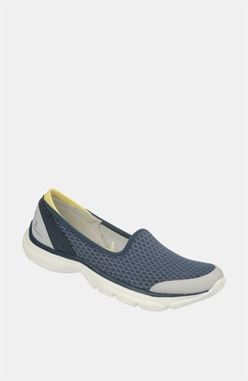 Naturalizer Bzees Picnic Walking Shoes