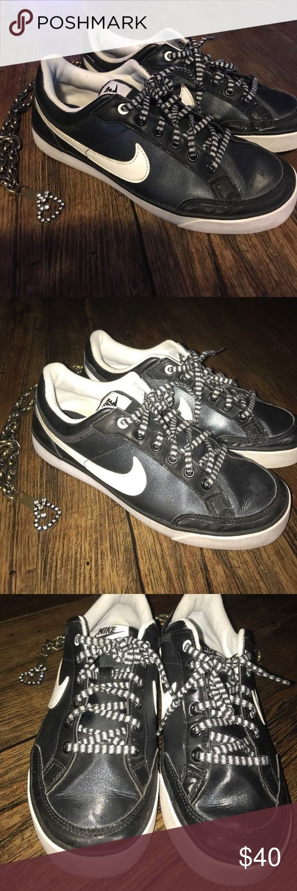 Size 5.5 Nike Sneakers Like New only worn2x Nike sneakers Smoke Free Pet Free home Nike Shoes Sneakers