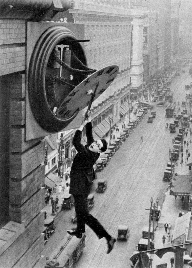 "Harold Lloydin ""Safety Last!"" (1923).  Photo:Harold Lloyd and Wesley Stout"