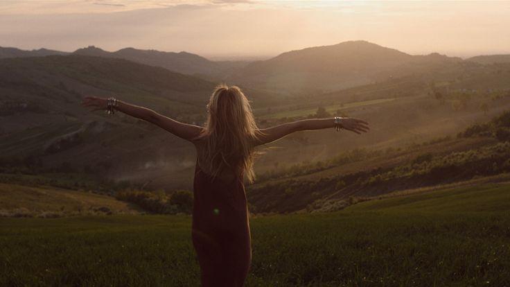 Emozione dopo emozione, discover your life.