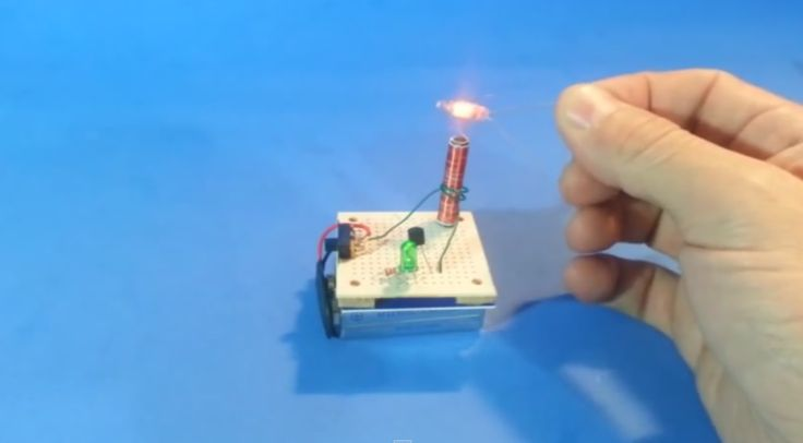 Micro Tesla Coil makes a Perfect Stocking Stuffer | Hackaday