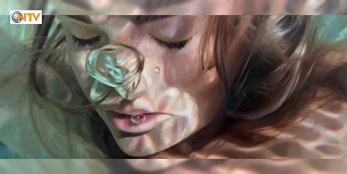 Fotoğraf gibi görünen gerçeküstü sualtı resimleri : RessamReisha Perlmutterinfotoğraf zannedilen hiper gerçekçi resimleri sualtında kadın portrelerini konu alıyor.  http://www.haberdex.com/sanat/Fotograf-gibi-gorunen-gercekustu-sualti-resimleri/123085?kaynak=feed #Sanat   #resimleri #sualtında #hiper #gerçekçi #kadın