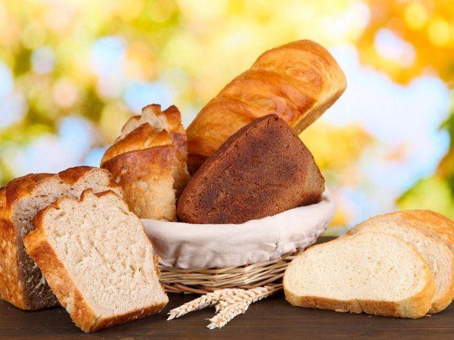 Хлеб без дрожжей  Ингредиенты:2,5 ст. ржаной муки; 0,5 ст. пшеничной муки; 1,5-2 ст. теплой воды; 2 ч. л. соли; 1 ст. л. сахара; 2 ст. л. растительного масла; щепотка тмина, кориандра или других специй на ваш вкус.
