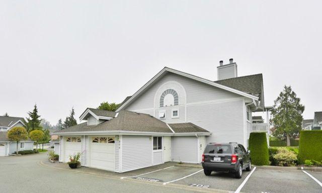 806-9139 154 Street, Surrey, BC V3R 9G8
