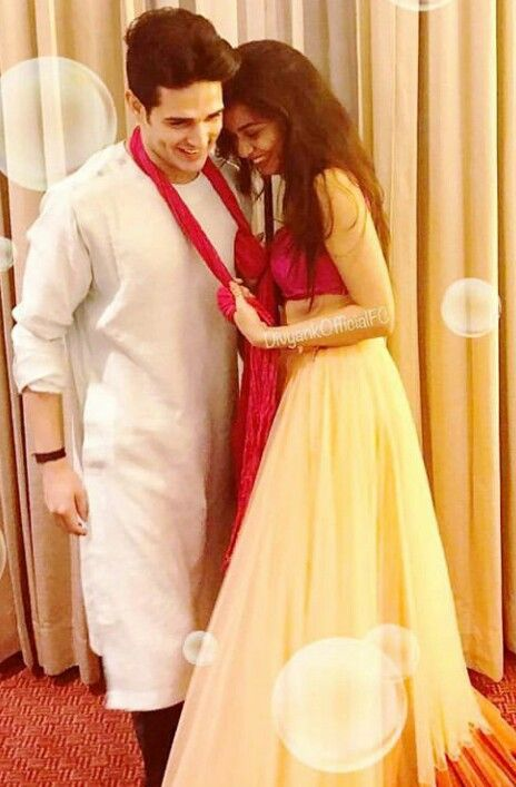 Looks awsm together