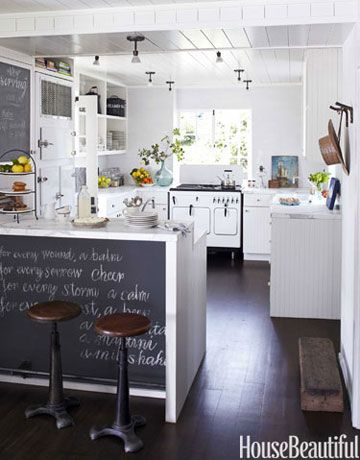 Designer Erin Martin added a blackboard on the breakfast bar for an opportunity for an intriguing quote.