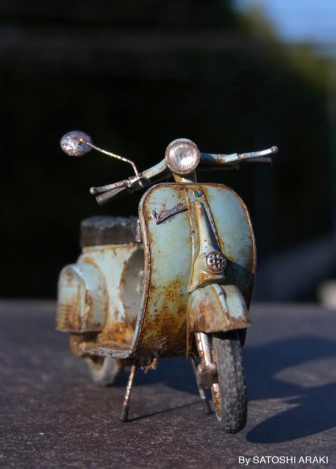 Rusty Vespa // the amazing miniature world of Satoshi Araki