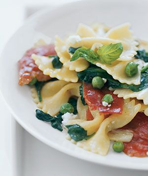 Spring Pasta With Crispy ProsciuttoHealthy Meals, Bows Ties, Pasta Dishes, Spring Pasta, Cream Cheese, Healthy Pasta Recipe, Crispy Prosciutto, Food Recipe, Dinner Recipe