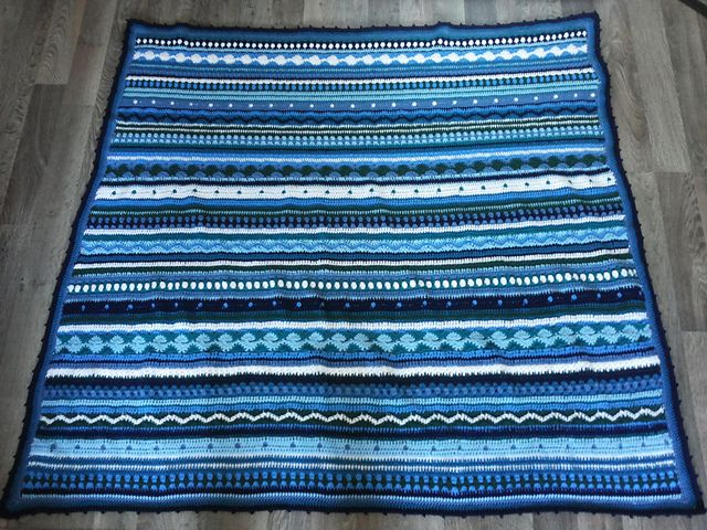 Ravelry: Project Gallery for As-We-Go Stripey Blanket pattern by Hannah Owens