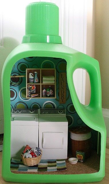 laundry diorama. awesome! DIY w/ dollhouse furniture