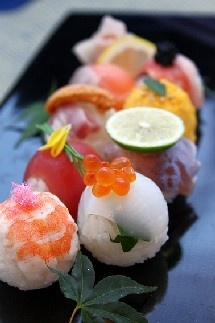 Sushi is sensuous to me! Yum. hanatemari(華てまり)