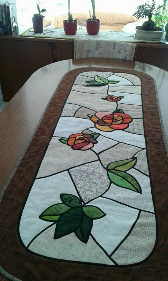 Sewing | Quilt | table runner | stained glass Wow. Love #Runner #Quilts #Stain
