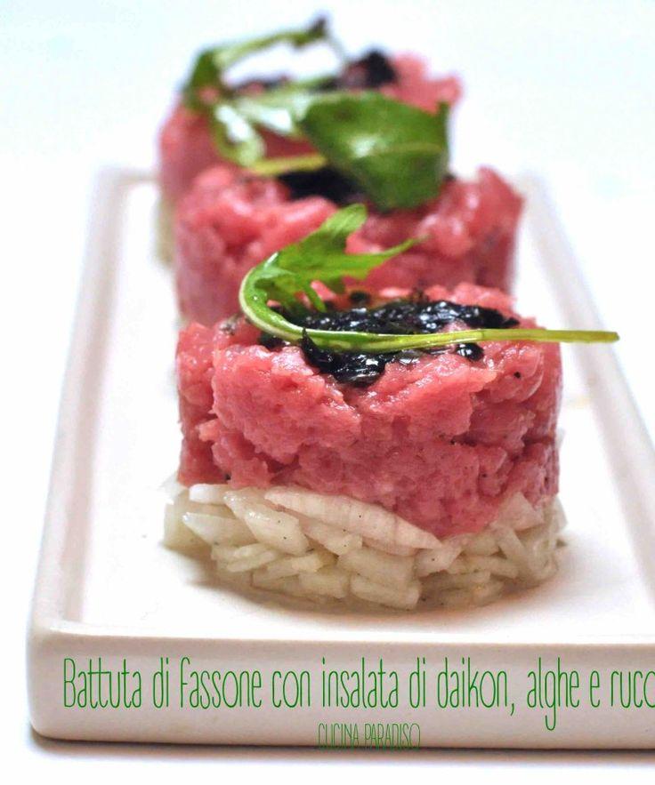 Battuta di fassone con insalata di daikon, alghe e rucola #cucinaparadiso #cucinacreativa #battutadifassone #tartare #carne #daikon #rucola #alghe