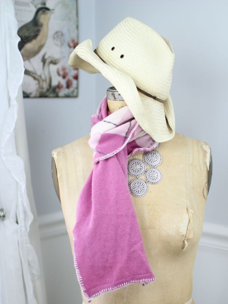 Shades of pink argyle cashmere scarf
