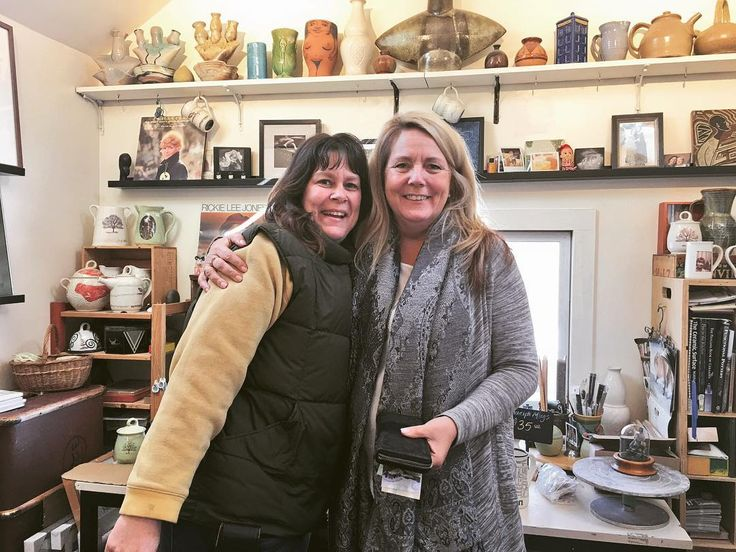 Always a pleasure to see @bunnysafari ! My clients will be thrilled! . . . #guelph #downtownguelph #bunnysafari #pottery #exhibitionpark #thejunction #brooklyn #stgeorgespark