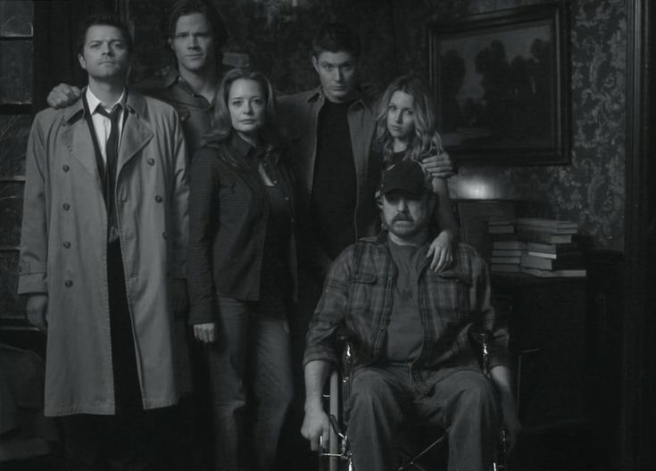 http://images2.wikia.nocookie.net/__cb20100415195026/supernatural/images/3/36/Photo.jpg