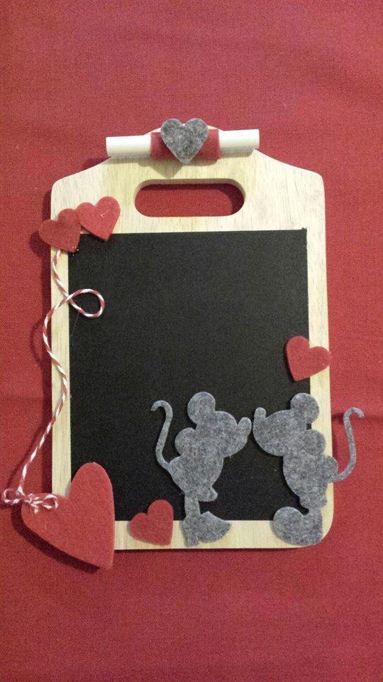 tagliere/lavagna topolino e Minnie innamorati.