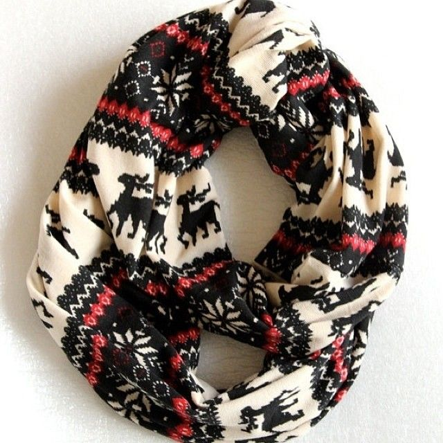 .Scarf in red, black and creme.