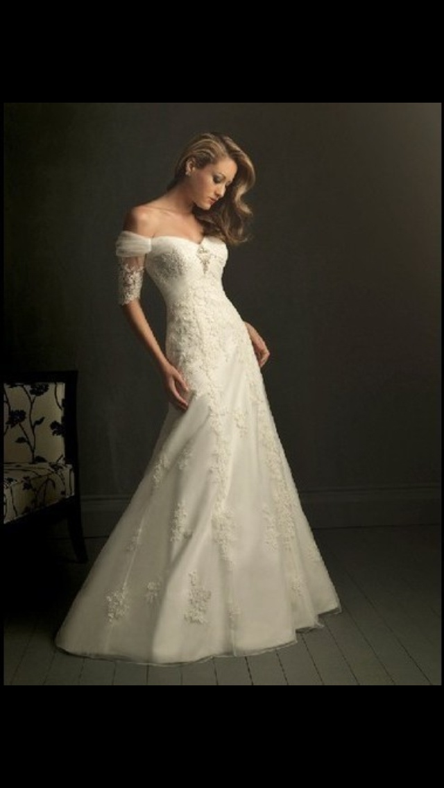 1000 images about future wedding on pinterest football for Sleeping beauty wedding dress