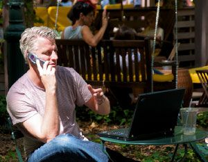Why Online Customers Still Want To Talk To Customer Service