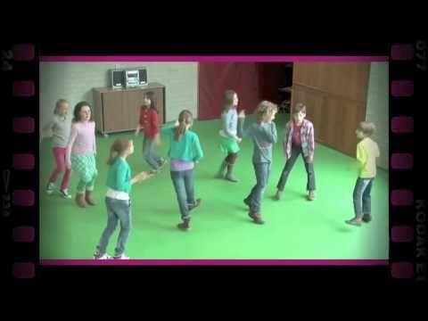 Een ander lichaamsdeel (dramaoefening bij lesmethode DramaOnline) - YouTube