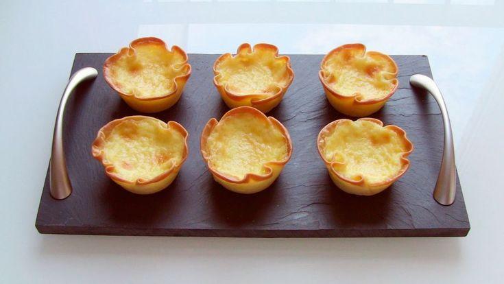 La bloguera Isabel Llano, Isasaweis ganadora de Bloguera de bronce del concurso Blogueros Cocineros 2013 prepara unos Pasteles de arroz vascos en el...
