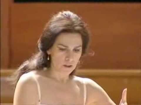 (4) Angela Gheorghiu - Sola perduta abbandonata (Manon Lescaut) - YouTube