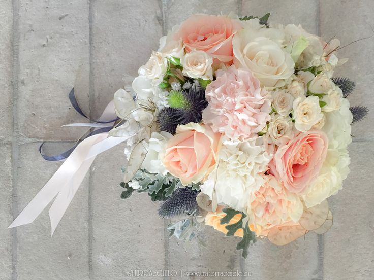 peach navy wedding, wedding flowers, wedding arrangement, fiori matrimonio, fiori matrimonio padova, fiori matrimonio veneto, wedding destinations, wedding in italy, matrimonio pesca e blu, luxury wedding, bouquet, bride bouquet, bouquet da sposa, navy, peach, wedding decorator, floral designer, matrimonio in italia, italian wedding, italian wedding flowers, traterraecielo, anna mazzucato, anna mazzucato floral designer, floral designer, floral designer padova, italian floral designer