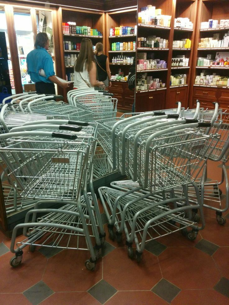 Shopping cart arrangement I found in the Pegna Dal