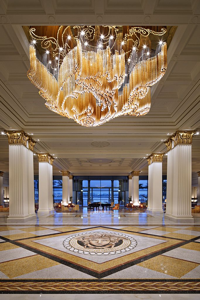 Golden Breeze Installation By Lasvit For Palazzo Versace The Layout Of The Amber Tone And
