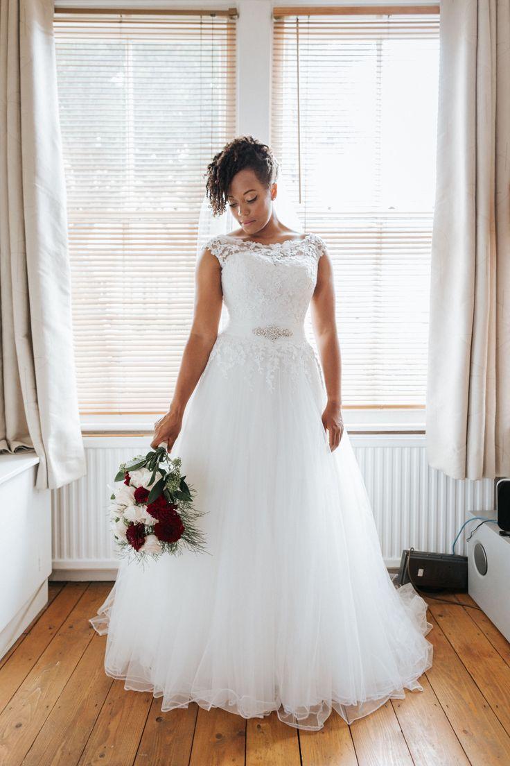 Ladybird 416052 Wedding Dress size 1214 in Ivory in 2020