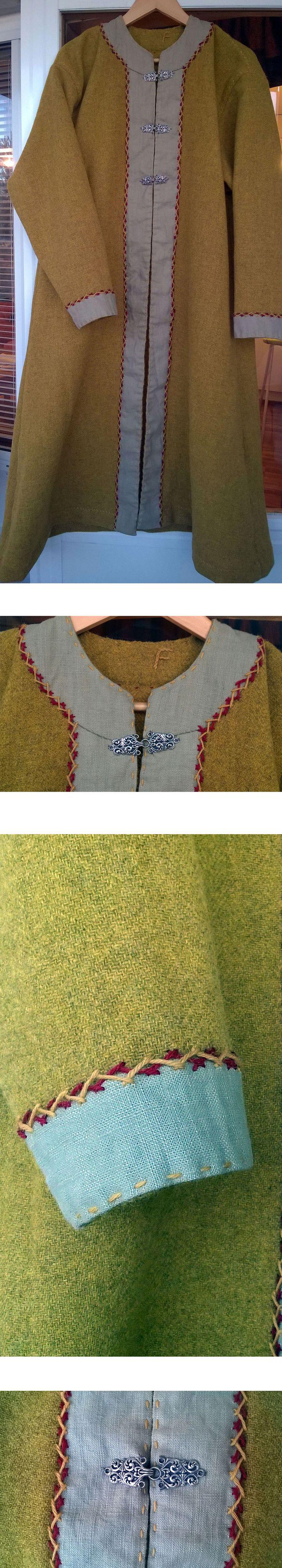 Viking coat http://hedebyngyta.net/
