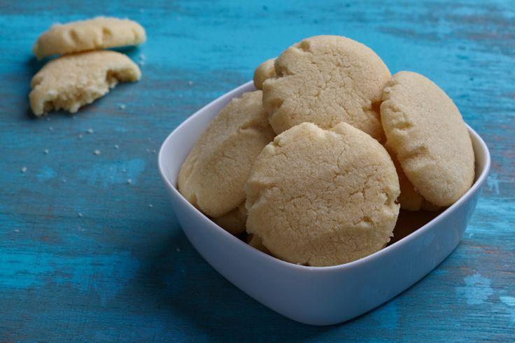 Dit recept voor traditionele Zweedse koekjes komt van mijn Zweedse buurvrouw. Super simpel, met ingrediënten die je eigenlijk altijd wel in huis hebt.